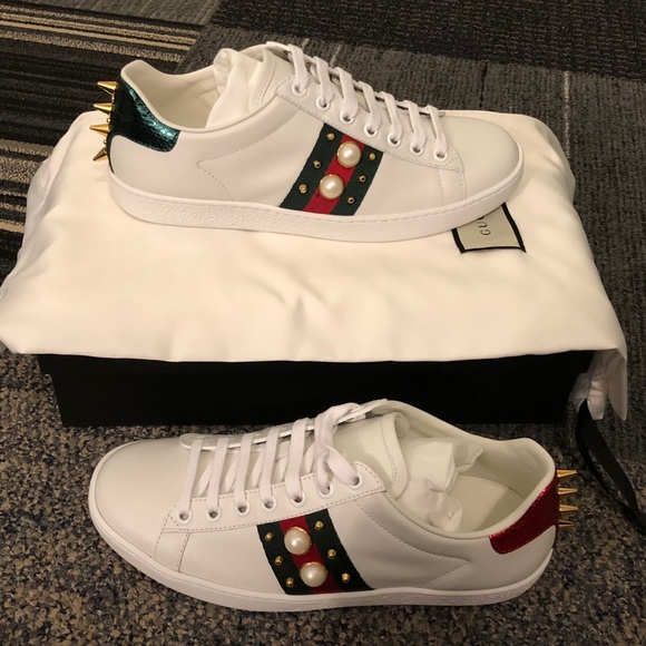 GUCCI ACE STUDDED LEATHER SNEAKER- WHITE PEARL